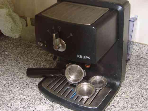 MÁQUINA DE CAFÉ EXPRESSO KRUPPS ( C/avaria)