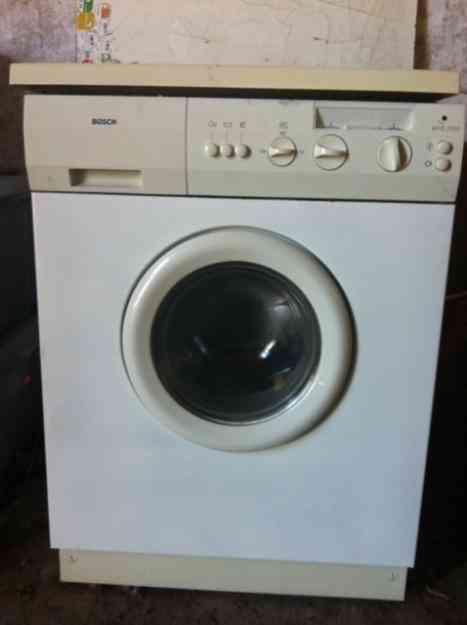Maquina lavar roupa Bosch WFB 2000 - avariada