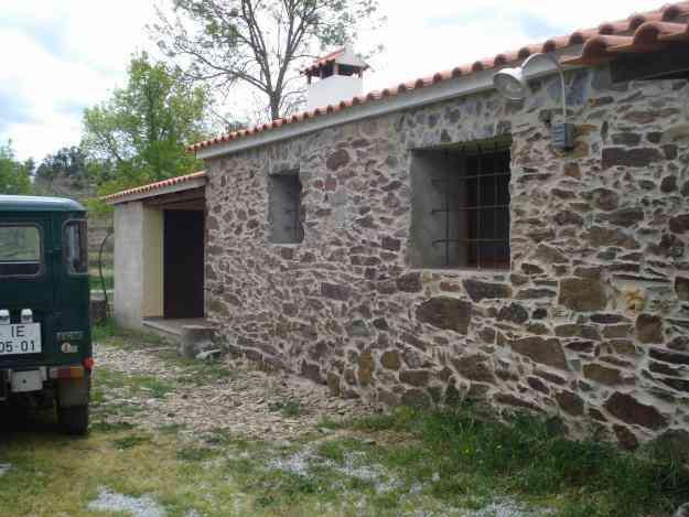 Quinta com tres casa de habitação