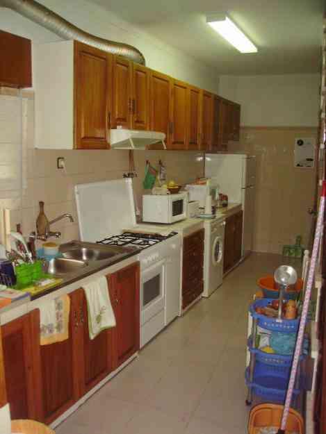 Casa terrea com 3 quartos bom preço, perto igreja (triplex) 3 pisos rc, 1ºandar, 2ºandar
