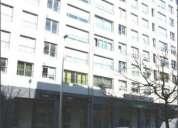 Loja com 170m2 de área coberta, com quarto de banho