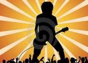 Precisa-se vocalista/guitarrista para