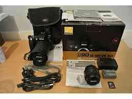 Câmera Digital Nikon D90 com 18-135 mm lente ... $ 520