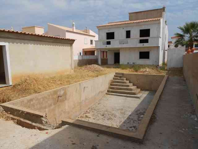 Moradia T5 com piscina – Os acabamentos à escolha